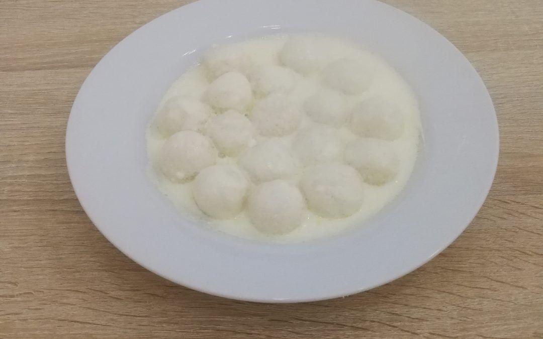 Tejfölös, sós túrógombóc, nem csak bojlisoknak